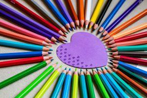שקט, כאן יוצרים: חומרי היצירה שיעסיקו את הילדים בבית